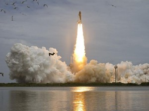 Atlantis lifts off from Kennedy Space Center's Launch Pad 39A. ©NASA/Bill Ingalls