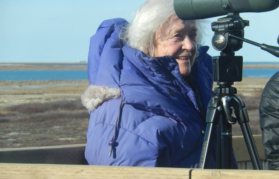 Elsa Bailey tracks polar bears at age 100 in Churchill
