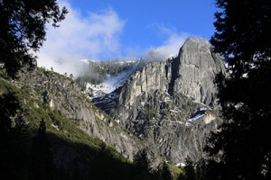 Yosemite mountains by Candice Andrews