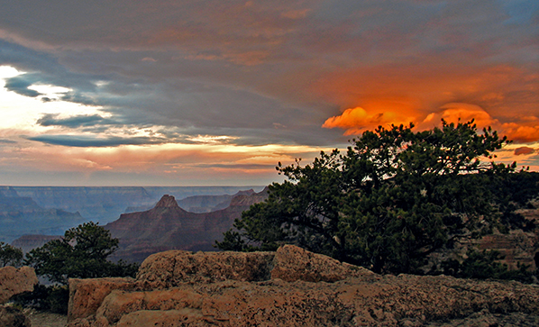 Dramatic clouds in the Grand Canyon