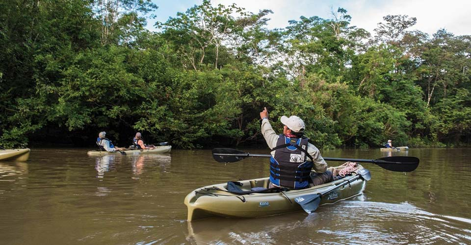 Guests kayaking in Pacaya Samiria Reserve